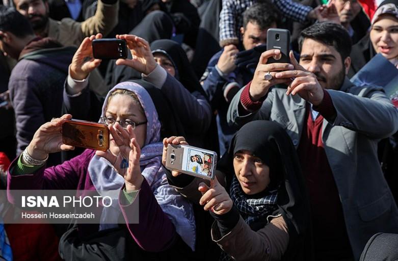 تجدید پیمان جوانان با شهدای انقلاب اسلامی در ایستگاه «من و شهیدم»
